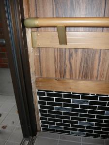 白蟻に寄る玄関柱の被害