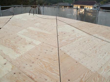 コロニアル屋根の下地